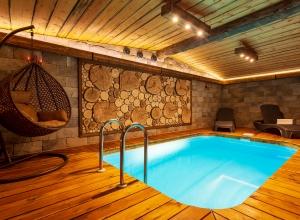 Двухэтажная сауна с бассейном